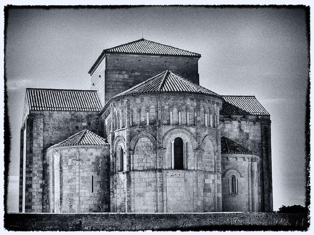 Talmont sur Gironde église Sainte-Radegonde