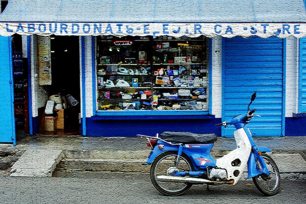 Cyclomoteur bleu